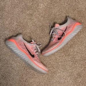 Nike Free RN Flynit Salmon Pink